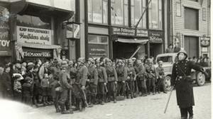 Tyske tropper fotografert 9.april.         FOTO: Sigmund Randulff